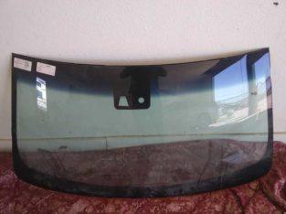 2015-20 Cadillac Escalade windshield